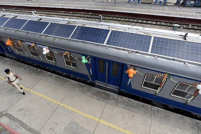 El Primer Tren Con Paneles Solares De La India Ya Est 225 En
