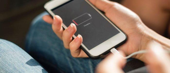 Carga más rápido tu iPhone con este cargador