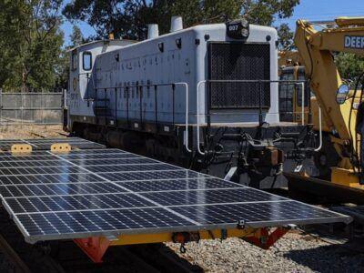 La locomotora del futuro, elimina el diésel, funciona con energía solar