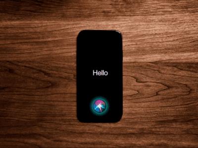 Otro problema para los iPhone: Siri se vuelve más tonta por culpa de Apple