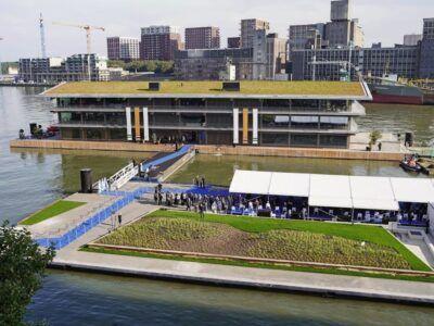 """""""La mayor oficina flotante"""" del mundo diseñada para resistir al cambio climático"""